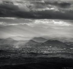 (Le***Refs *PHOTOGRAPHIE*) Tags: light bw white black montagne landscape nikon nb paysage hdr montain d90 lescevennes lerefs