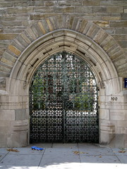 Trumbull-College-Gate-at-Yale (mbgmbg) Tags: gate unitedstates connecticut places newhaven yale kw2flickr kwgooglewebalbum takenbymarkgerstein kwpotppt kwphotostream4 yalebuildings