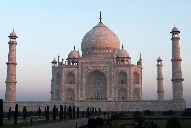 Taj Mahal Agra India Tomb Mausoleum mughul moghul mogul empire