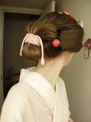 P1160114 (Ayilana) Tags: pink red coral japan japanese fan tabi parasol kimono obi picnik kitsuke wafuku uchiwa zori bijin kanzashi sensu shimada akadama birabira nihongami yuiwata