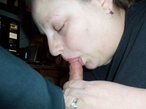 brutal dick penis sucking girls pics: blowjobs
