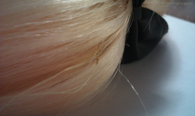 how to make a wig cap stay on