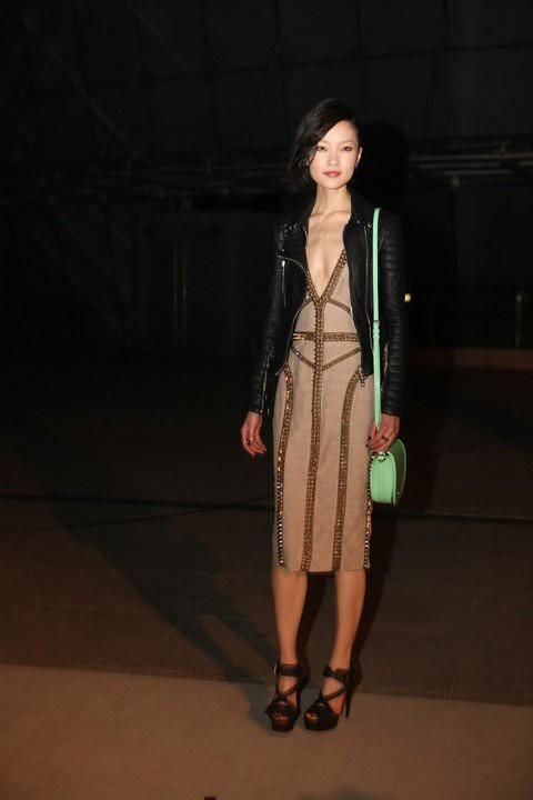 017 Chinese model Juan Du wearing Burberry