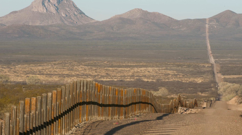 5210150605 34bc8e54fe b The US Mexico Wall, its Borderlands, Wildlife, and People [38 Pics]