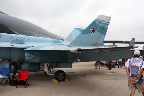 EAA10_FA-18C_053