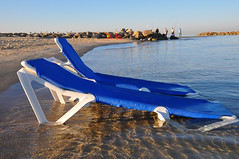 Wish you were here (Poupetta) Tags: beachchairs themediterraneansea telavivbograshovbeach