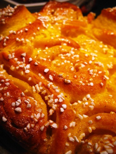 Singlish Swenglish Christmas Bake - Saffron bread cake
