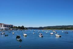 Pontedeume (Mariano Rupérez) Tags: azul muelle mar barca galicia cielo pesca pontedeume