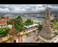 View of the Chao Phraya River from Wat Arun, Thailand :: HDR (Artie | Photography :: I'm a lazy boy :)) Tags: building architecture photoshop canon thailand temple cs2 10 bangkok westbank buddhist wideangle structure handheld 20mm watarun hdr chaophraya artie chaophrayariver prang templeofthedawn 3xp sigmalens photomatix tonemapping tonemap 400d rebelxti bangkokyai