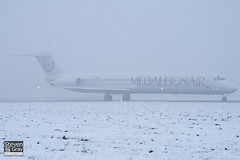 YR-HBE - 49396 - Medallion Air - McDonnell Douglas MD-83 - Luton - 101222 - Steven Gray - IMG_7323
