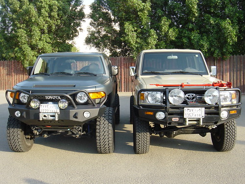 Lifted Toyota Trucks 4x4. lifted toyota side by