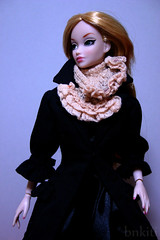 Frilled muffler for 1/6 scale doll