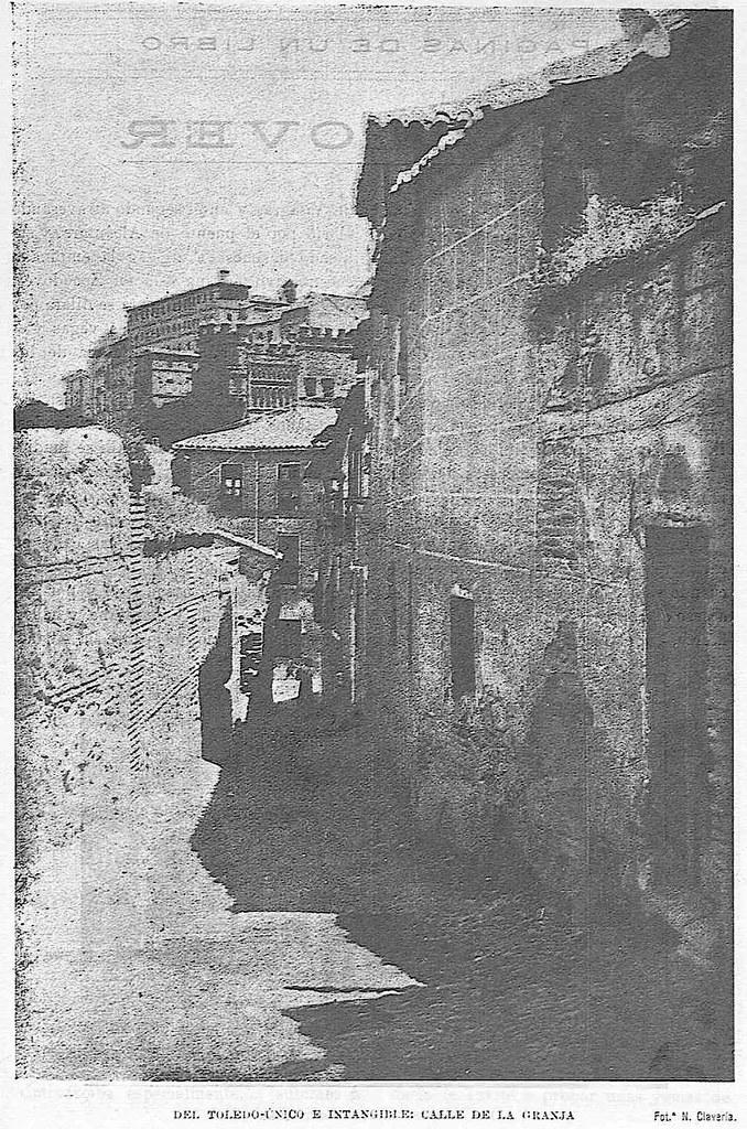 Calle de la Granja hacia 1927. Fotografía de Narciso Clavería publicada en octubre de ese año en la Revista Toledo