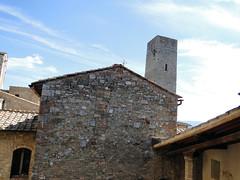 San Gimignano (Rodrigo_Soldon) Tags: city italien cidade italy building tower landscape town san italia cityscape torre tour gimignano tuscany stadt siena toscana turm toscane italie ville itlia citt toskana    toskania