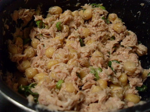 Creamy Tuna and Chickpea Salad