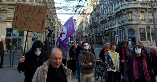 Parti Pirate et Anonymous de?filent ensemble