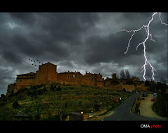Storm in the evening at medieval village./ Tormenta al anochecer en el pueblo medieval. (OMA photo) Tags: espaa storm evening spain village pueblo medieval segovia tormenta anochecer pedraza