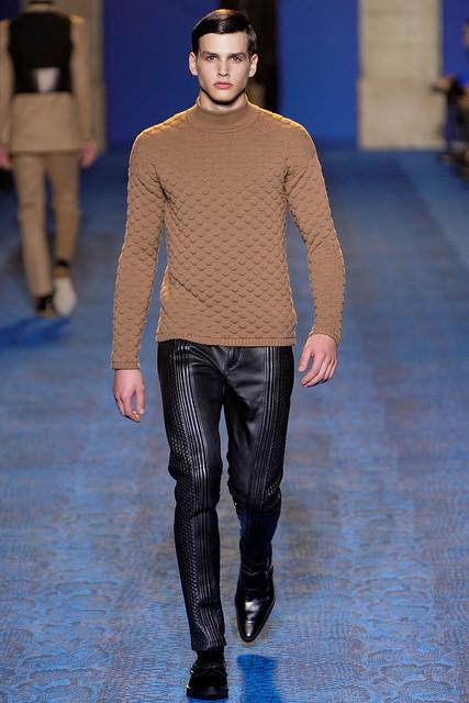 FW11_Milan_Versace019(VOGUEcom)