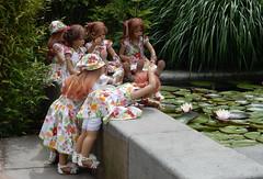 Voller Einsatz ... Dich krieg ich doch ... (Kindergartenkinder) Tags: dolls himstedt annette kindergartenkinder essen park gruga
