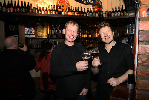 Prosjektleder Bjarte Lie og daglig leder Jørn Tore Persen i Ølakademiet.