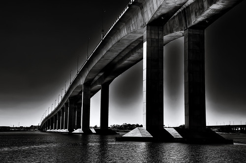 フリー写真素材, 建築・建造物, 橋, モノクロ写真,