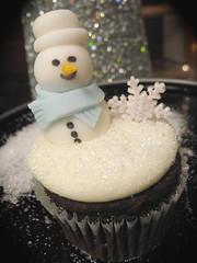 snowman cupcake (Cupcakes-A-Go-Go) Tags: snowflake christmas holiday cake glitter snowman chocolate elf cupcake madison vanilla wi cupcakesagogo