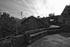 Barroso - Sirvozelo, da roupa branca (Acyro) Tags: portugal pb aldeia trsosmontes barroso sirvozelo acyro