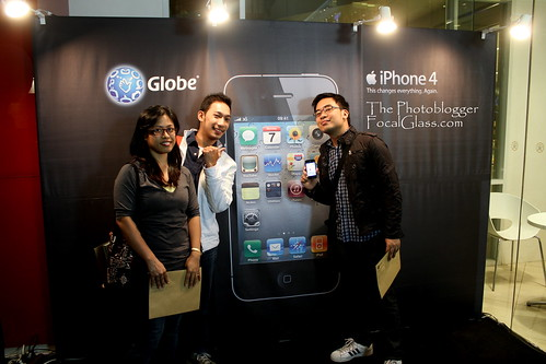 Wil, Rab and Coy at Globe Flagship Store in Cebu