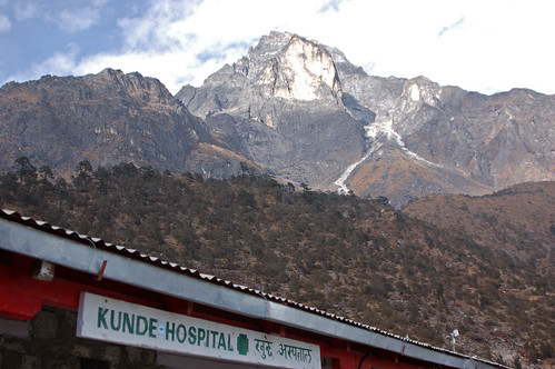 2kunde hosptial-peak in rear copy.jpg