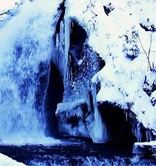 Winter 2010 - Die Triberger Wasserflle  blau und kalt  - 92 (roba66) Tags: blue schnee winter snow cold ice water waterfall blau kalt eis schwarzwald triberg cascadas wasserflle gutach tribergerwasserflle mbpictures