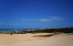 Do alto das dunas (Valria Dantas) Tags: blue sky praia beach azul brasil cores mar cu lugares vero litoral praias ondas dunas mar nordeste rn riograndedonorte rocha cristvo cidadesnord