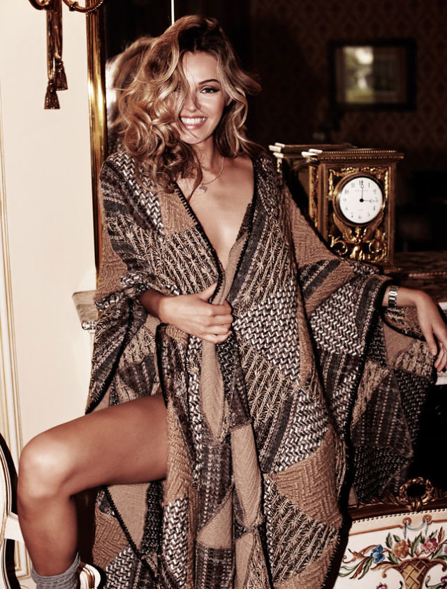 knit patchwork cape valentina-zelyaeva4