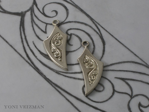 Hand engraved earrings set