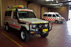 2003 Toyota LandCruiser 75 series Troopcarrier & 2002 2002 Volkswagen T4 Transporter ambulances (sv1ambo) Tags: 2003 new 2002 wales vw volkswagen south richmond ambulance nsw toyota land series service 75 landcruiser cruiser transporter t4 troopcarrier