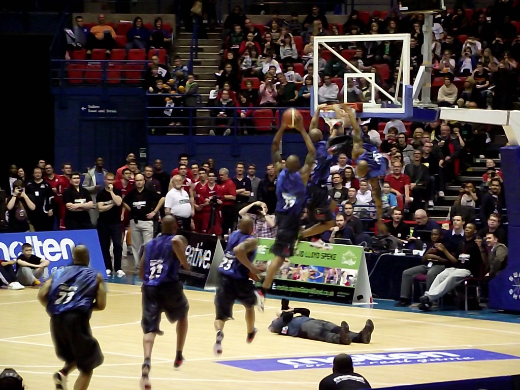 BBL Slam dunk contest 2011