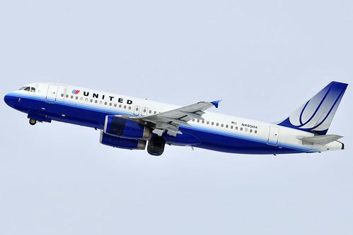 United Airlines Airbus A320-232 (N495UA)