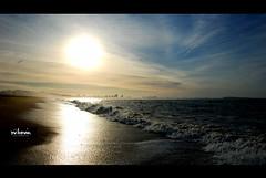 punta amanece  (Mr.LoMein) Tags: summer sky sun sol uruguay mar sand waves playa arena cielo verano punta este olas gaviota maldonado puntadeleste veraneo retraidas