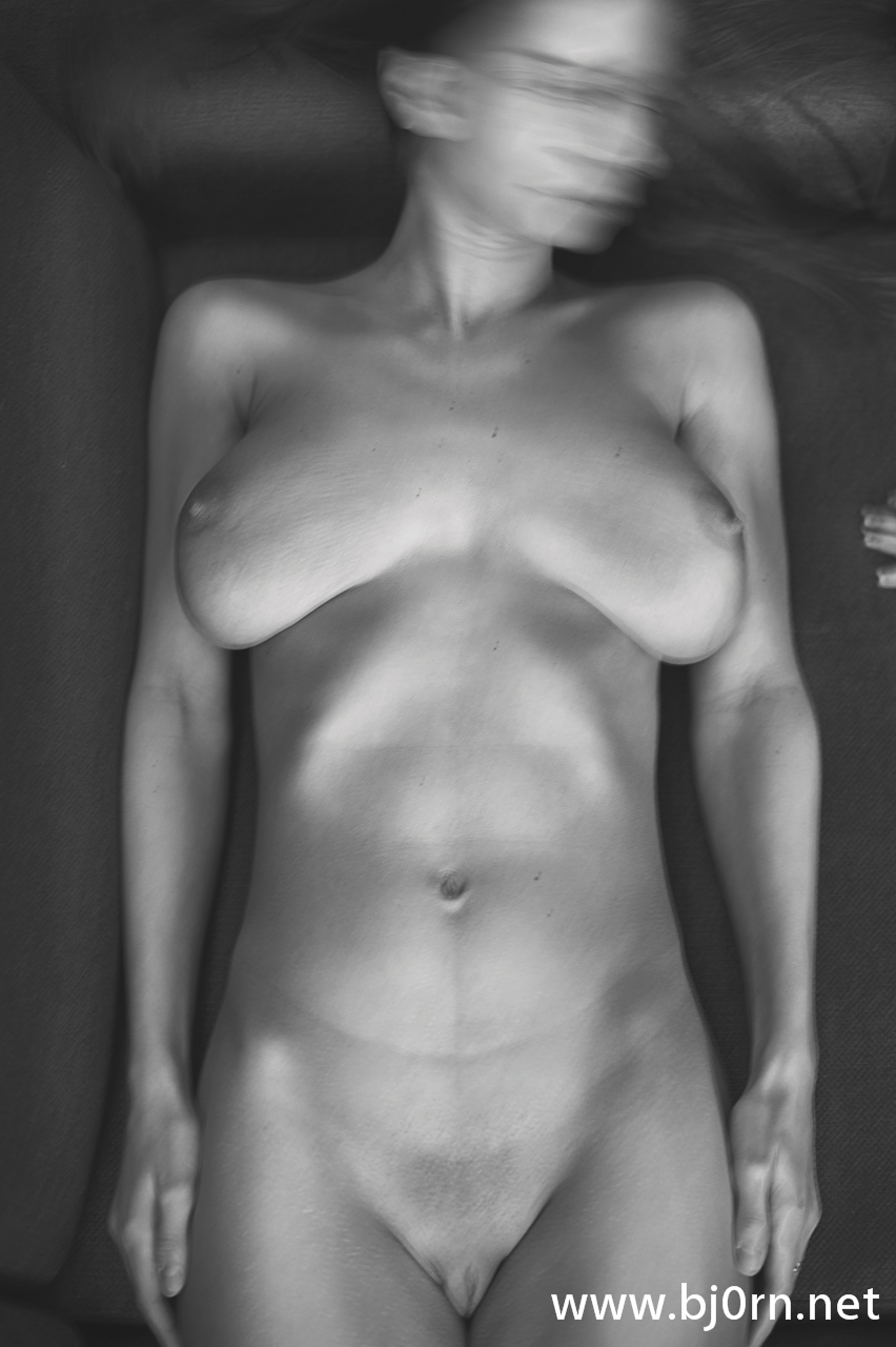 photo: Bjørn Christiansen, Nude Portrait of Mom and Child