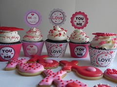 February 14th.: St. Valentine's Day (Mily'sCupcakes) Tags: love st cupcakes san day amor valentines february 14th valentin toppers wrappers xoxo milys