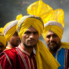 Punjabi Dancers (Paki Nuttah) Tags: india asia dancers folk dancer bombay turban mumbai punjabi panjabi thisphotorocks flickrtravelaward