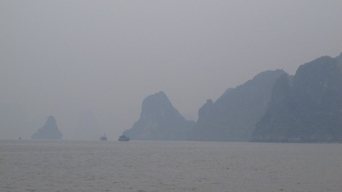 Vietnam Vacation: Greetings from Halong Bay