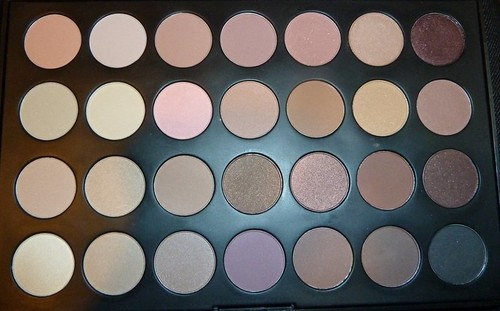 28 piece neutral palette