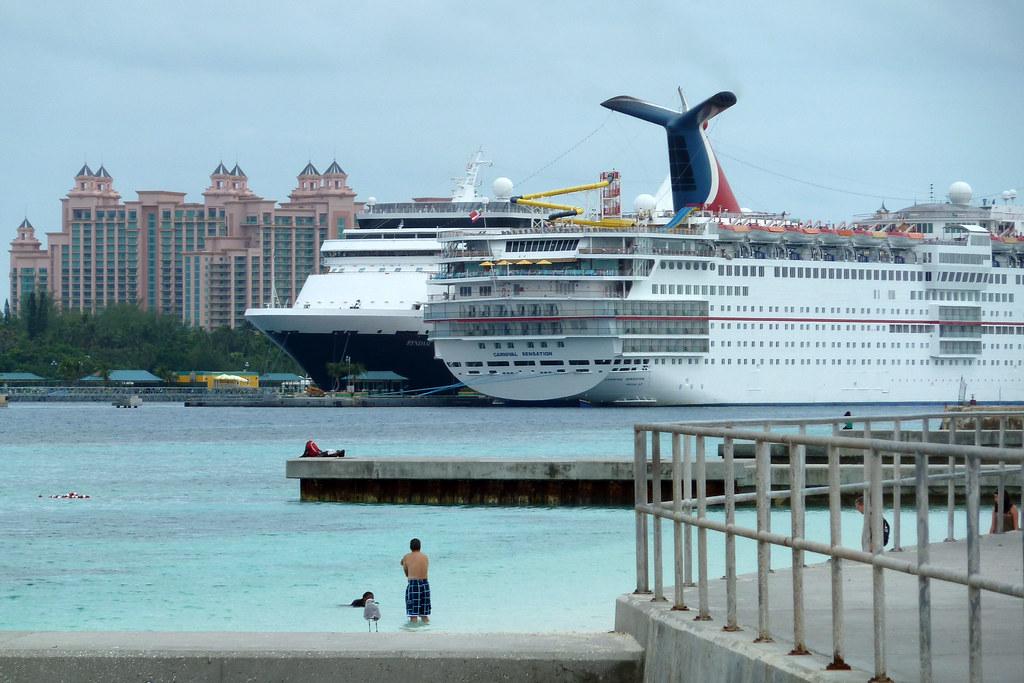 Cruise_Ships