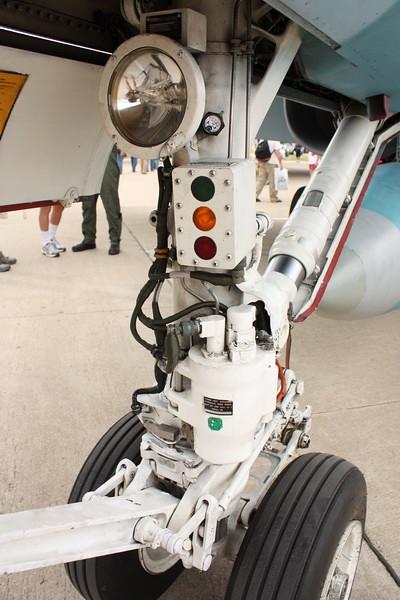EAA10_FA-18C_020