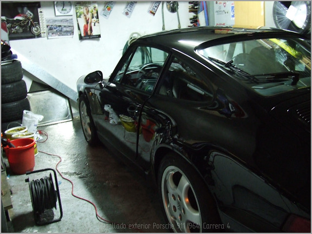 Porsche 911 Carrera 4-61