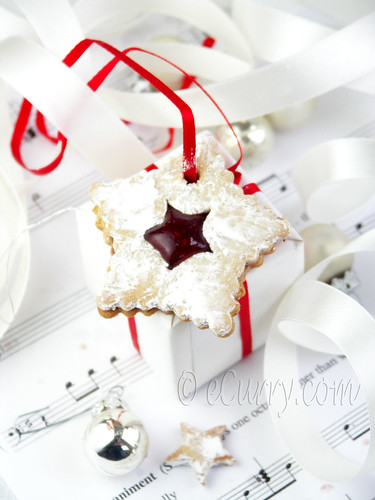 Linzer Cookie with Spiced Jam