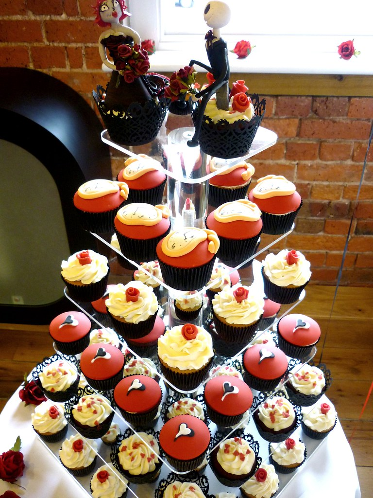 Gothic style wedding cupcakes