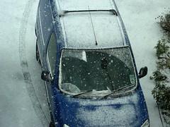 Begins to snow (Julie70 Joyoflife) Tags: winter snow london photo unitedkingdom hiver lewisham londres angleterre snowing neige 2010 julie70 copyrightjkertesz havazik ninge photojuliekertesz ilneige photojulie70