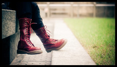 Seat (Lefty Jor) Tags: park red hk girl grass hongkong shoes day dof boots bokeh sony misu lightroom jupiter85cmf2 nex3 gettyimageshongkongmacauq1
