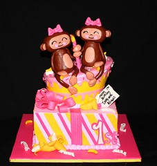 Monkey Twins (its-a-piece-of-cake) Tags: pink yellow cake monkey present fondant gumpaste monkeycake giftcake twinbirthdaycake